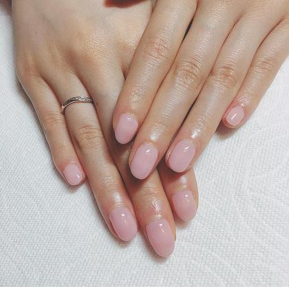肌馴染みが良くて可愛らしいピンクです(╹◡╹)♡ お仕事上派手なお色が出来ないお客様にもおすすめです! パラフィンパックでお手元もしっとり♡ Nail's RELUM所属・Nail'sRELUMのフォト