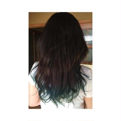 毛先2回ブリーチをして青〜緑! Hair Salon Cocoa所属・KyoElyseのスタイル