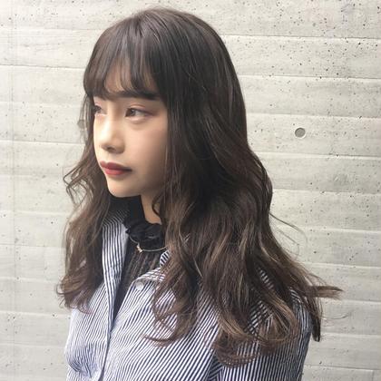 IshikawaKanakoのセミロングのヘアスタイル