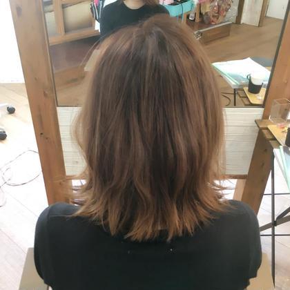 伸ばしかけでも流行りの外ハネにすれば お洒落になります✨  Hair Resort Lino所属・Mai.のスタイル