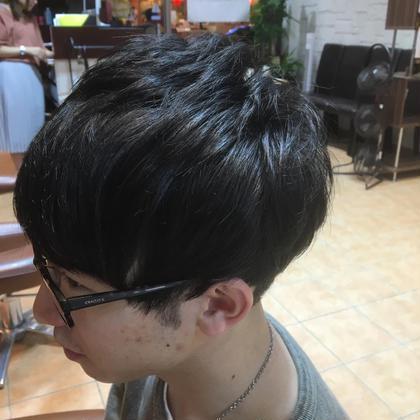 ゼッペキをカバーしたマッシュスタイルにソフトな刈り上げをプラスしました。 Dejave  hair&space所属・山口雄己のスタイル