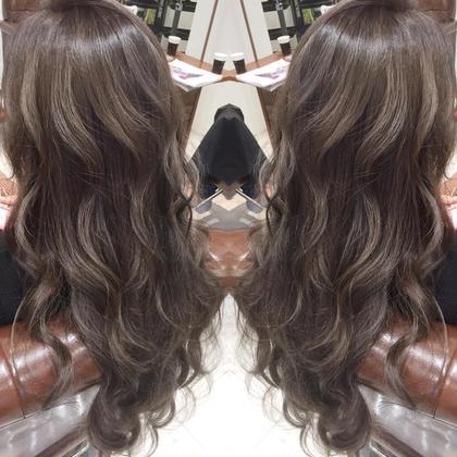 イルミナ ハイライト 岩本直樹のロングのヘアスタイル