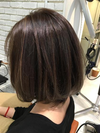 ハイライトカラー ブリーチ1回グレージュ agir hair所属・廣田由加のスタイル