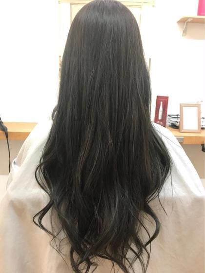 ○THROWカラー ○アッシュ ○Aujuaトリートメント Hair&MakePOSH所属・杉本はるかのスタイル