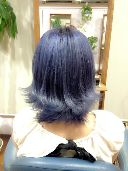 ☆☆Candy blue☆☆  ▶︎ブリーチ3回  根元から毛先にかけて薄くなっているグラデーション風カラー!色落ち後も白っぽいシルバーになるよう色落ちのことも考えて調合♡ beyond所属・小川久美子のスタイル