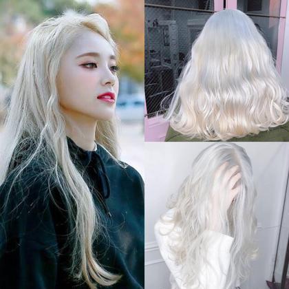 綺麗なホワイトカラーなるには  髪が綺麗な事が1番です  ダメージが強い状態からだと綺麗はホワイトにする事はほぼできません。  毎日のケアが自分にあっているか できないのであればオススメはできません。  ですが適切なケアの方法をお伝えします、適正な薬剤、適切な技術があれば1人1人にあった最高のホワイトカラーを 作り出すことは可能ですので  是非僕に任せてください  #原宿#ハイトーンカラー#シルバーカラー#ヘアカラー#ネイビーカラー#ホワイトカラー#ブロンドヘアー#アッシュ#ケアブリーチ#ブロンドカラー#派手髪#ラベンダーカラー#ミルクティーカラー#アッシュ#ミルクティーベージュ#ブルージュ#グレージュ#ピンクカラー#インナーカラー#ハイライトカラー#グラデーションカラー#bts#seventeen#twice ✳︎ ✳︎ ✳︎