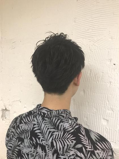 しっかりとメリハリを出す事によって爽やかな男らしいスタイルとなっております。 agu所属・植田俊樹のスタイル