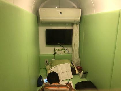高気圧酸素ルームの中で宿題されてます〜♡ 学生さん しまもと鍼灸整骨院所属・しまもと鍼灸整骨院 のフォト