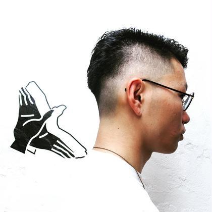 ニューヨーク仕込みの刈り上げ、フェードスタイルです!とても短く刈り上げてコントラストをつけることで男の魅力をアップさせます! Johnnymen高田馬場店所属・小川敏輝のスタイル