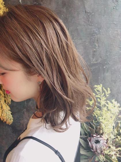 普通のカラーではありえないツヤと透明感。  イルミナカラー、人気殺到です。  ¥8,000〜 井町真人のヘアスタイル・ヘアカタログ