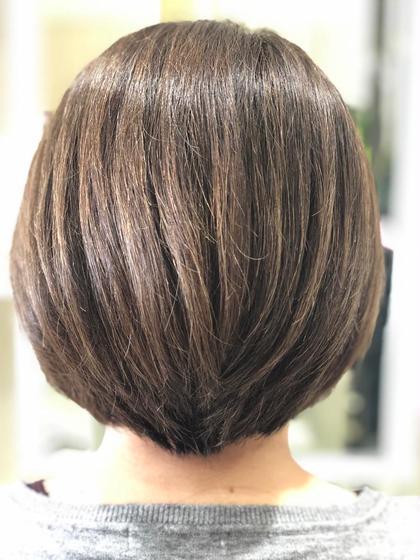 ✂︎カット&根元グレイカラー+毛先ファッションカラー 通常料金 ¥10500  白髪を染めつつ明るくオシャレに✨