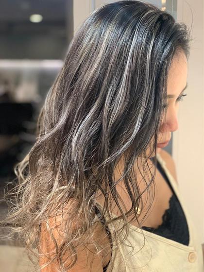 💕髪を美髪に髪質改善💕🌟ケアブリーチ3Dハイライト&イルミナカラー&艶トリートメント‼️13000‼️
