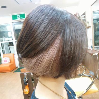 ビターなベースカラーにラベンダーピンクのインナーカラー♪ 美容室 salon de craft所属・澤田拓己のスタイル