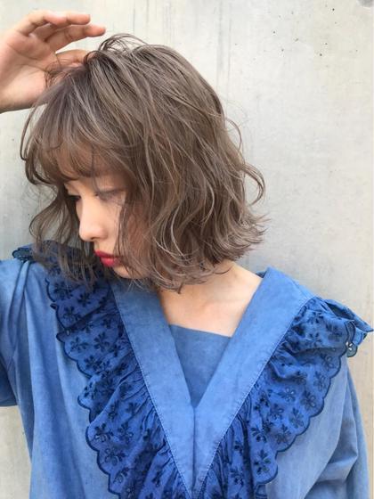 アッシュグレージュ☆ブリーチ2回以上必要です! ディレクターコジマ ダイスケのミディアムのヘアスタイル