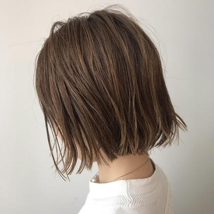 切りっぱなしボブで今どきおしゃれスタイルに* 椿夢来のミディアムのヘアスタイル