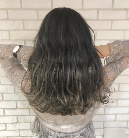 セミロング 馴染みすぎないハイライトを入れて超オシャレな髪色に✨