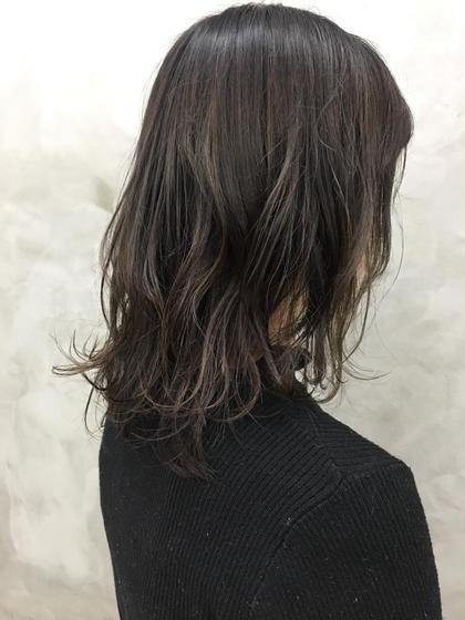 カラー アッシュグレー。毛先は透け感だして重たくならないように❤︎❤︎#ミディアム#イルミナカラー