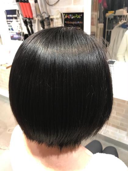縮毛矯正でサラサラ艶々な髪質に変身! コテで巻くこともできますよ。^ ^ hair&make 8LAMIA8所属・hair&make8LAMIA8のスタイル