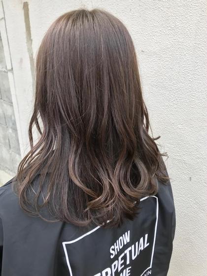 ブリーチなし、赤みをなくしたラベンダーグレージュ◎ hairmakeO/s所属・佐藤魁人のスタイル