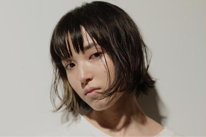 黒髪もインナーカラーでワンポイントを☆ KLAUS所属・オバラサオリのスタイル