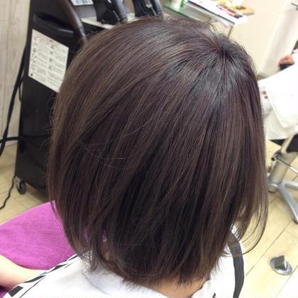 サイドから! お客様一人一人の髪質を見極めながら、 様々な色味を配合して作り上げていきます! ダブルカラーも大歓迎です☆ NOA所属・菅原夢舞のスタイル