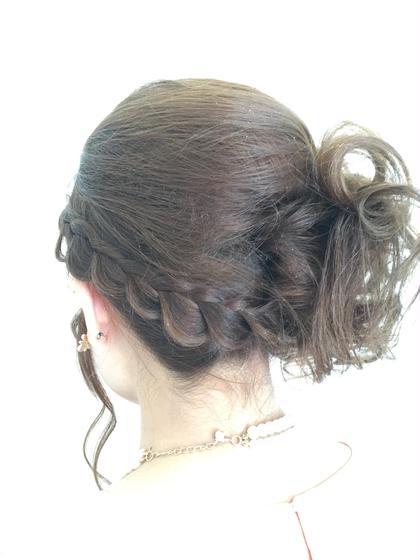 アップのふんわり編み込みセット♪ hair   studio Material所属・石川章司のスタイル