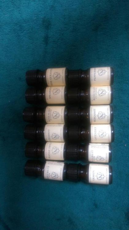 好みの香りを選んでいただけます。 アロマオイルマッサージ フアチャイ浦和店所属・サクライツヨシのフォト