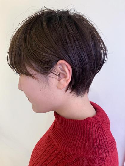 ショート 定番になりつつある耳掛けショート バックの丸みと 顔周りの髪の長さが重要です!
