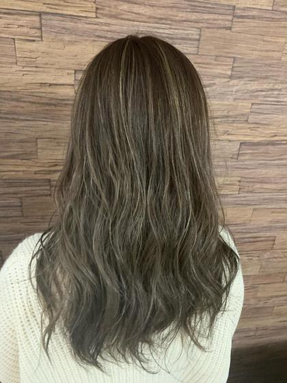HairHomeno.8所属の有坂里恵のヘアカタログ