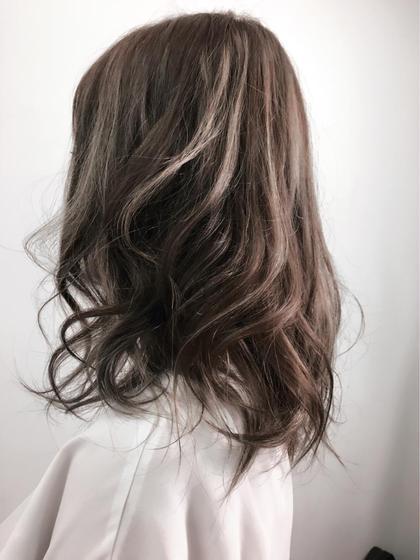 ハイライトを使った3Dカラーです!  kaminomori -International Hair Concepts-所属・高橋優希のスタイル