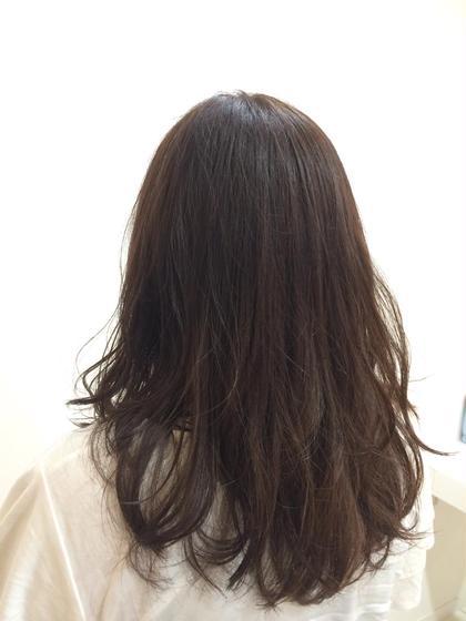ベースをアッシュ系にしてハイライトを細かくいれました☻✧ BLESS所属・内田奈菜のスタイル
