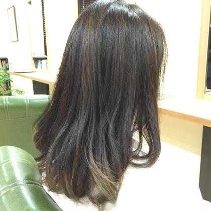 毛先〜中間に軽さを出し動きをつけました neu所属・鈴木貴弘のスタイル
