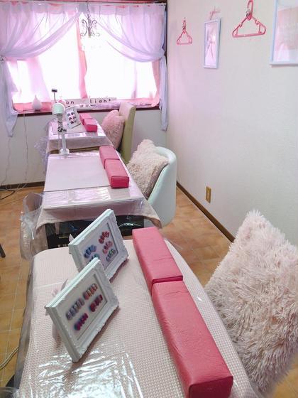 店内はピンク基調のリラックスできる空間です♡