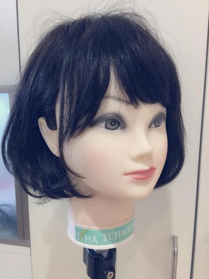 マネキンですが 毛先ワンカールのボブ作りたい方は 巻き方も教えますよ(^◇^) Kusyu...所属・渡部成希のスタイル