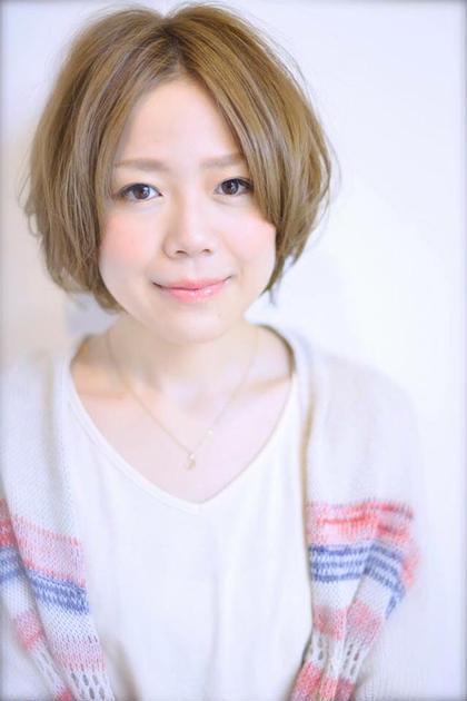 フレッシュな雰囲気のショートボブ☆可愛いを前面にだしたカラーリングとカットでモテることは間違いありません♪ スタイリングもワックスでクシャッと簡単にオシャレになっちゃうヘアスタイルです☆ [完全予約制フリーヘアデザイナー]所属・yoshiki☆のスタイル