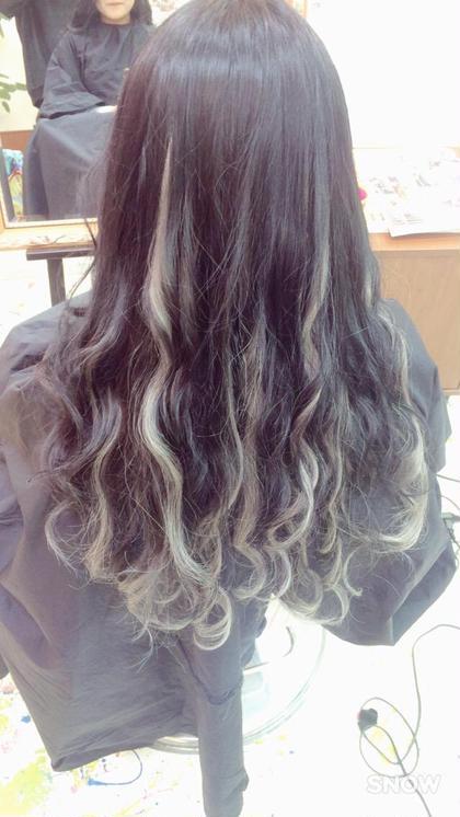 その他 カラー ロング 髪をアッシュブラック グレーのエクステをメッシュっぽくなるようにつけました!!