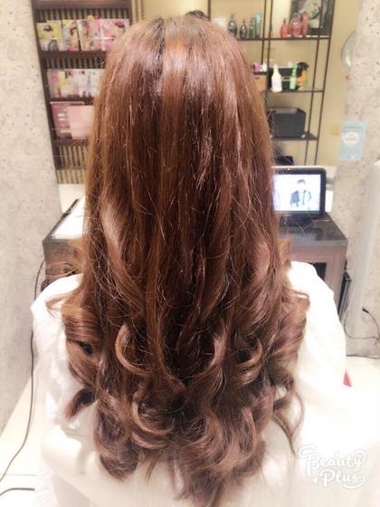 ヘッドスパして巻き髪٩(๑❛ᴗ❛๑)۶ トリートメントメントサロンスローネ【Throne】所属・上村潤平のスタイル