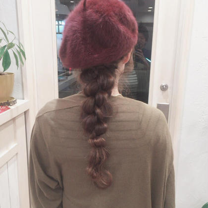 ベレー帽をかぶってきていたので、アレンジもさせていただきました(^^) * カットして頂いていたお客様には、+2,000で簡単なお出かけアレンジも承っております☺️ * ぜひご利用ください✨ 美容室courage(クラージュ)所属・courage(クラージュ)のスタイル