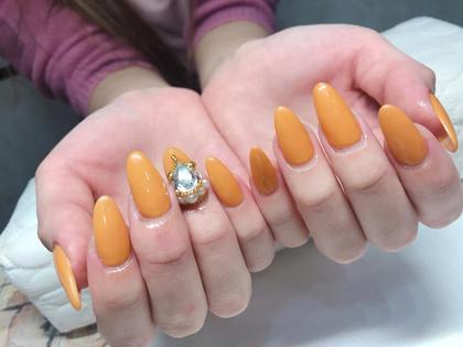 イエローでもなくオレンジ色でもなく 絶妙なカラーの   【カラシ色】ワンカラー にするとすんごく可愛いです♡  ※パーツは別途追加料金になります ガールネイルサロンの