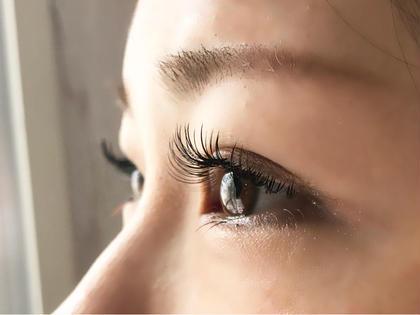 chouchou eyelash所属のchouchousaoriのマツエクデザイン