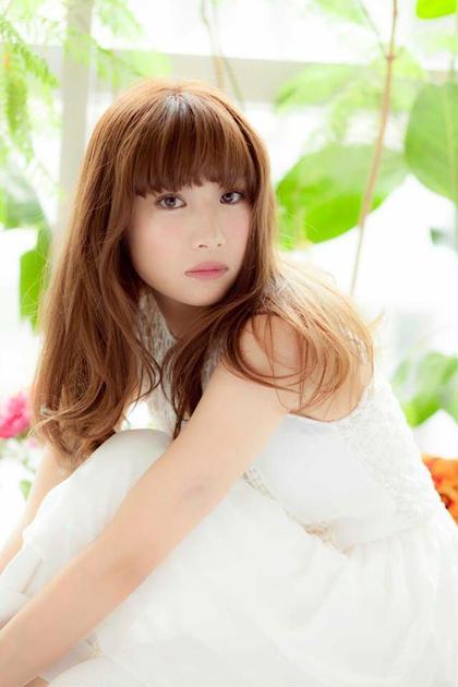 透明感のあるクリームベージュカラー  beauty and care CALON所属・松田力丸のスタイル
