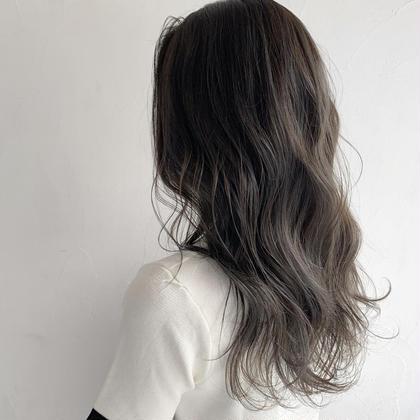 ハイライトにアッシュ系のカラーで透け感◎ フリーランス美容師所属・豊浦翔太のスタイル