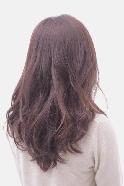 ✨秋冬仕様のピンク系ブラウンカラー✨ 艶がすごく出やすく、色持ちもいいので、夏の紫外線などで痛んでしまった髪の毛に最適です^_^ Ash銀座店所属・鈴木達也のスタイル