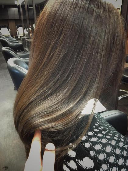 光カラー×ヘアビューロンストレートの艶ツヤつや。。 CRECE 川崎店所属・星野夏輝のスタイル