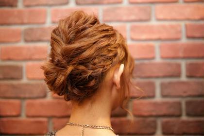 ルーズスタイルヘアアレンジ  くるりんぱ、ロープ編み込み、ナミウェーブ Hair Resort Lull [ヘアーリゾートラル]所属・田中魁人のスタイル