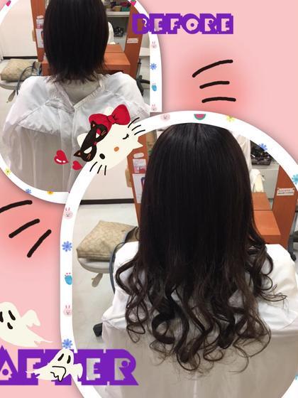 ♡抜け感のあるロングヘアー♡  毛量は少なめで毛先軽くされていたのでシール80枚で綺麗に馴染み取り付けできました(^O^)/  エクステは胸位の所でカットしています。  仕上げはコテでMix巻きにして抜け感のある可愛らしいスタイルに仕上げさせてもらいました(^^♪ DuoHair心斎橋店のロングのヘアスタイル