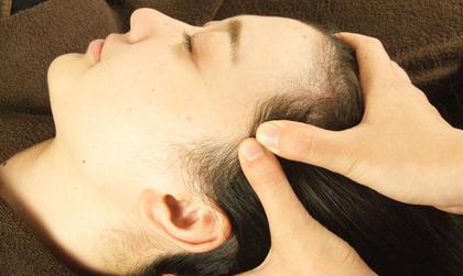 頭皮のマッサージもご用意してます。 肌トラブル改善専門店Accueil所属・大谷桂代のフォト