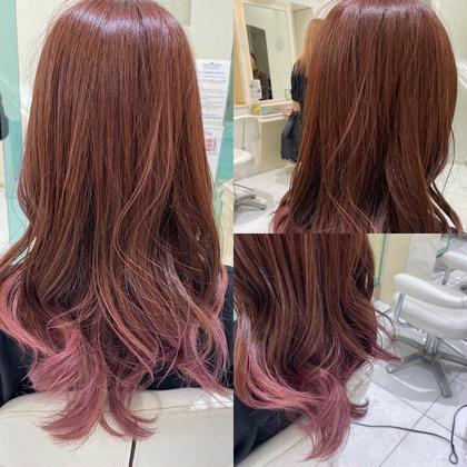毛先のみブリーチ履歴あり 光に当たると透明感のあるピンクブラウン✨ 落ち着いたナチュラルカラーに透明感のある色味カラーお任せ下さい😊