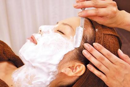 【平日女性限定モニター価格(営業時間内)】レディースシェービング ¥2,000(クレンジング、お顔・襟剃り、美容パック)