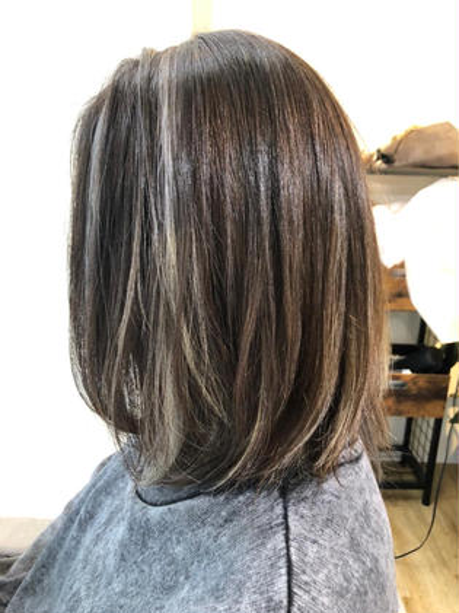 髪にちょっとした変化が欲しい時に😉【ハイライト+フルカラー】